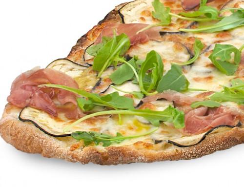Pizza melanzane, pancetta e rucola