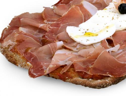 Pizza prosciutto crudo e olive