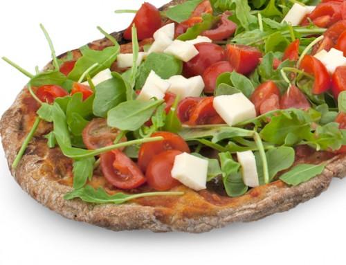 Pizza pomodorini, rucola e olive